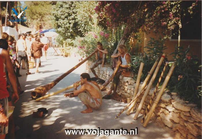 Ibiza- Hippies op de hippiemarkt van Es Canar