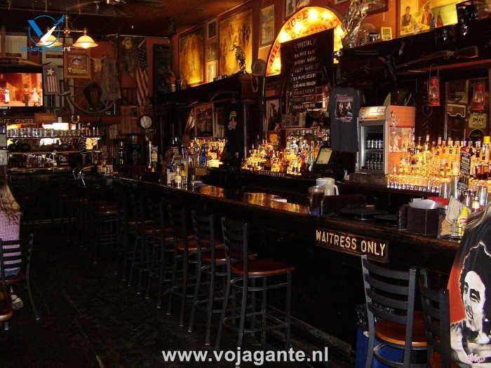 Tombstone Arizona - Big Nose Kate's Saloon met de bar uit het Grand Hotel