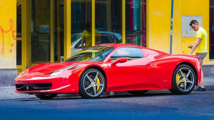 Gardameer Italië - Ferrari