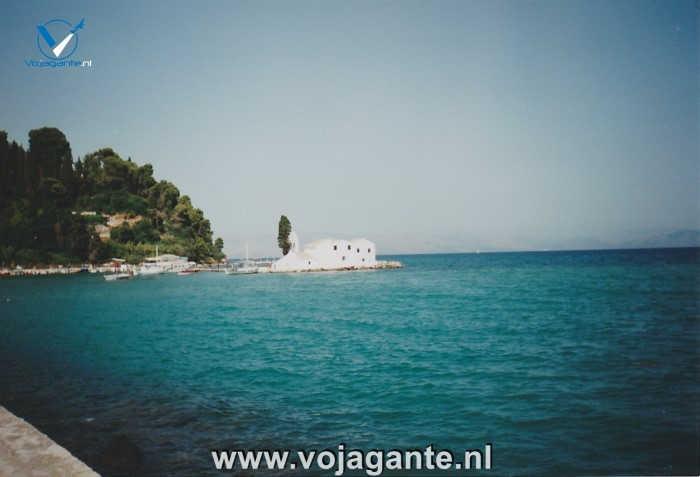 Corfu 2000 - Het witte klooster van Vlacherna bij Kanoni