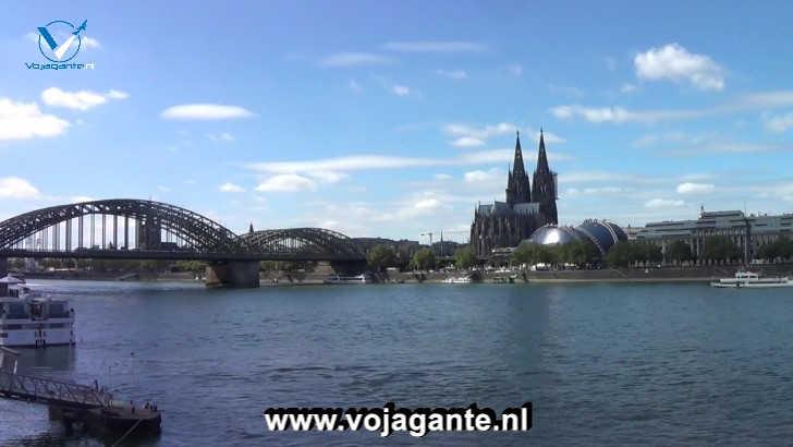 De Musical Dome, de Dom van Keulen en de Henzollernbrücke in één beeld gevangen